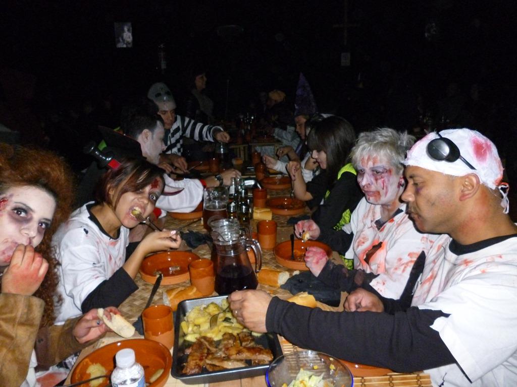 Restaurantes de terror tucena com cenas originales for Cenas originales